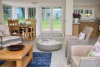 cottage living room2
